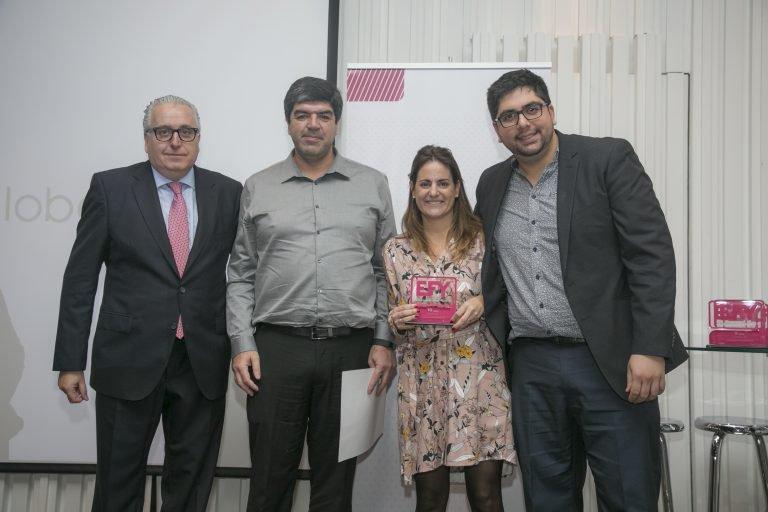 Foto premiación globallogic 768x512